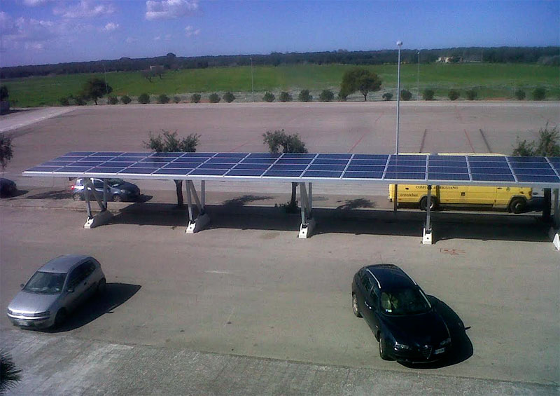 חניה מבוססת אנרגיה סולארית